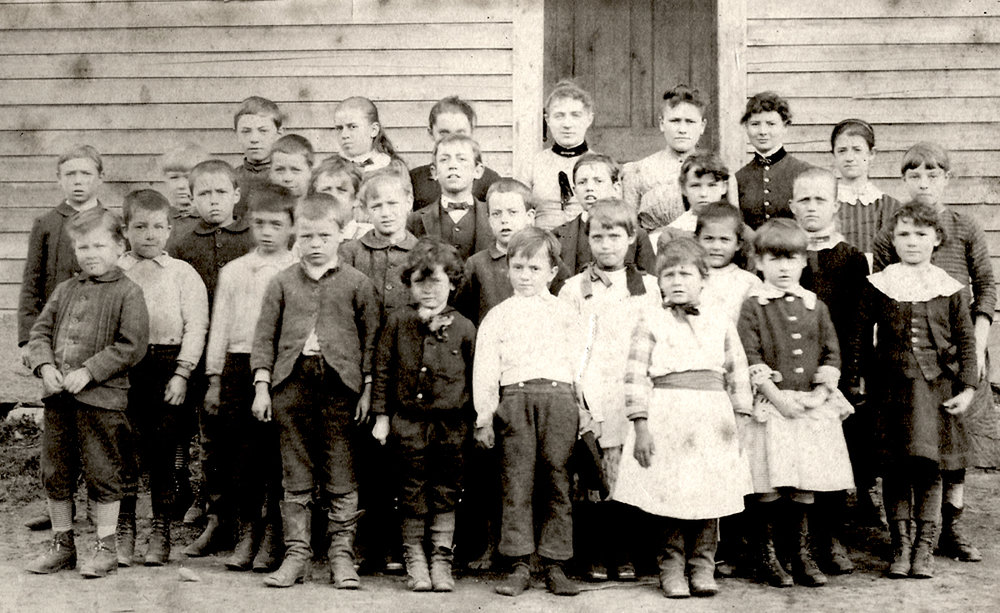 An unidentified school group.