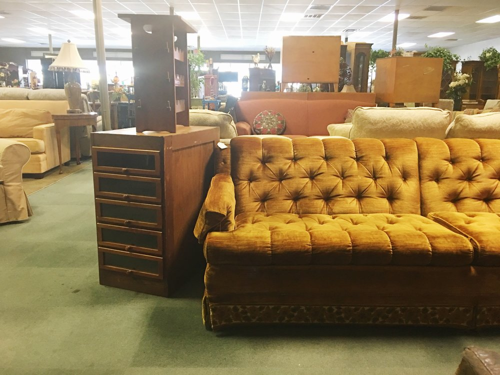 Found this tufted beauty hanging out at Snow's Consignment at 25th and Sheridan.