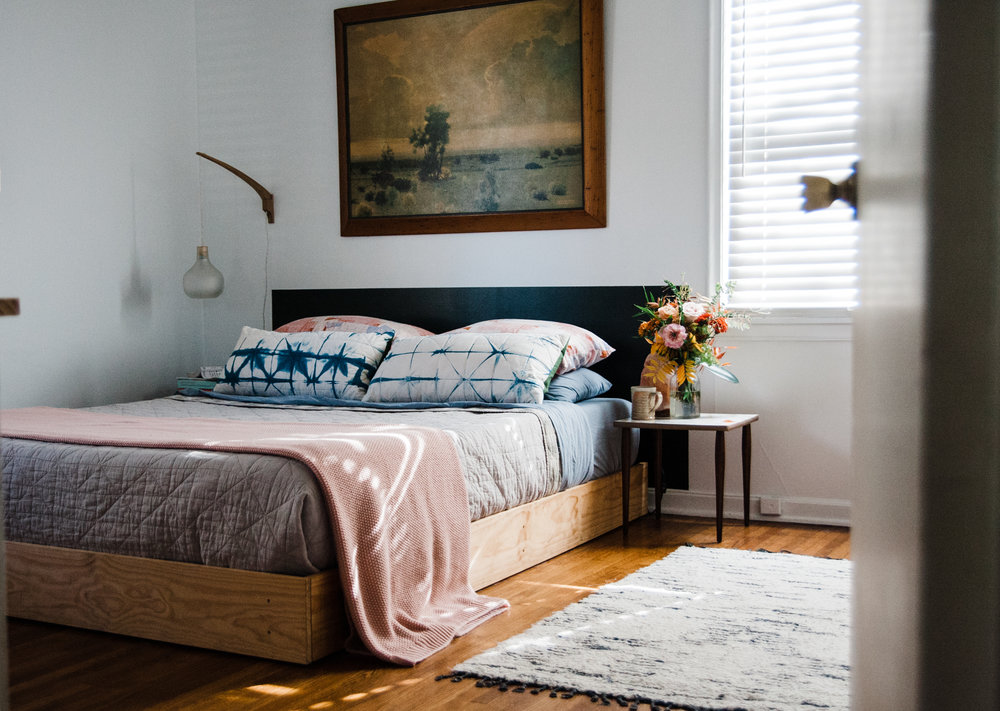 Minimalism vs. Unfinished Decorating: Daly\'s Bedroom Update — Retro ...