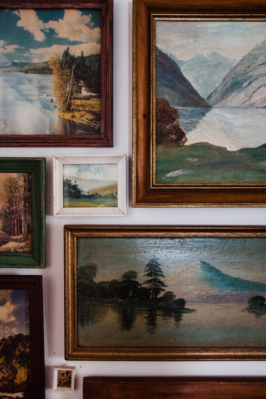 Eeeee, tiny vintage paintings!