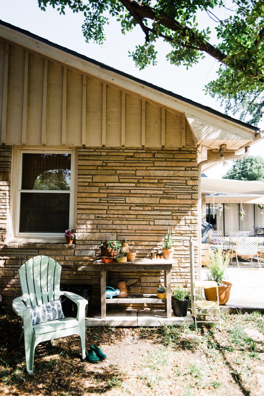backyard-potting-station