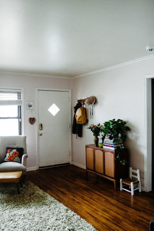 blush-walls-livingroom