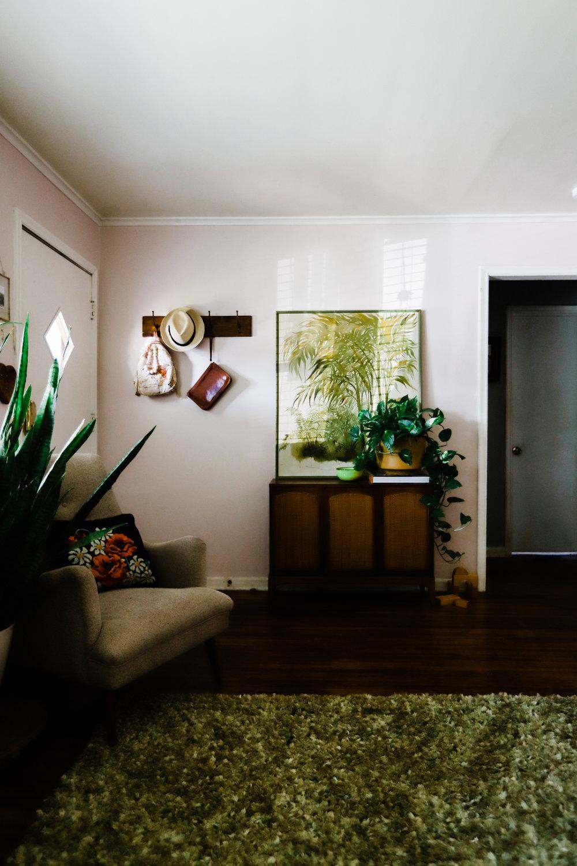 bungalow-entryway-no-television-WEB-2.jpg