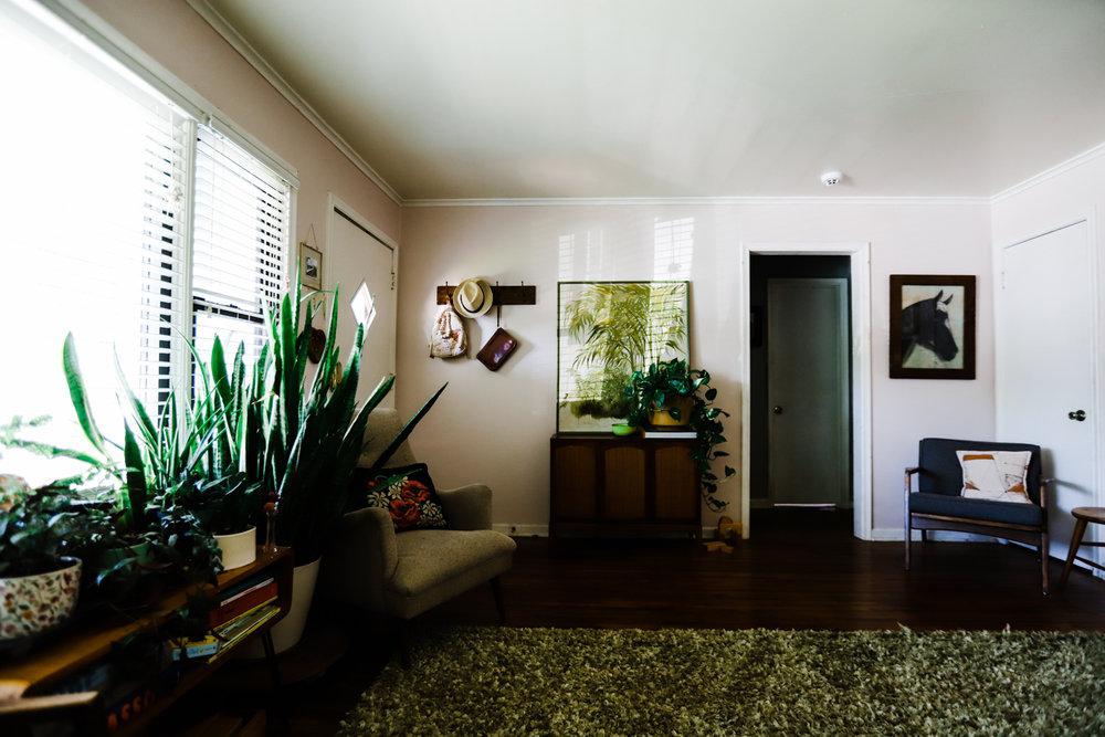 bungalow-entryway-no-television-WEB-1.jpg