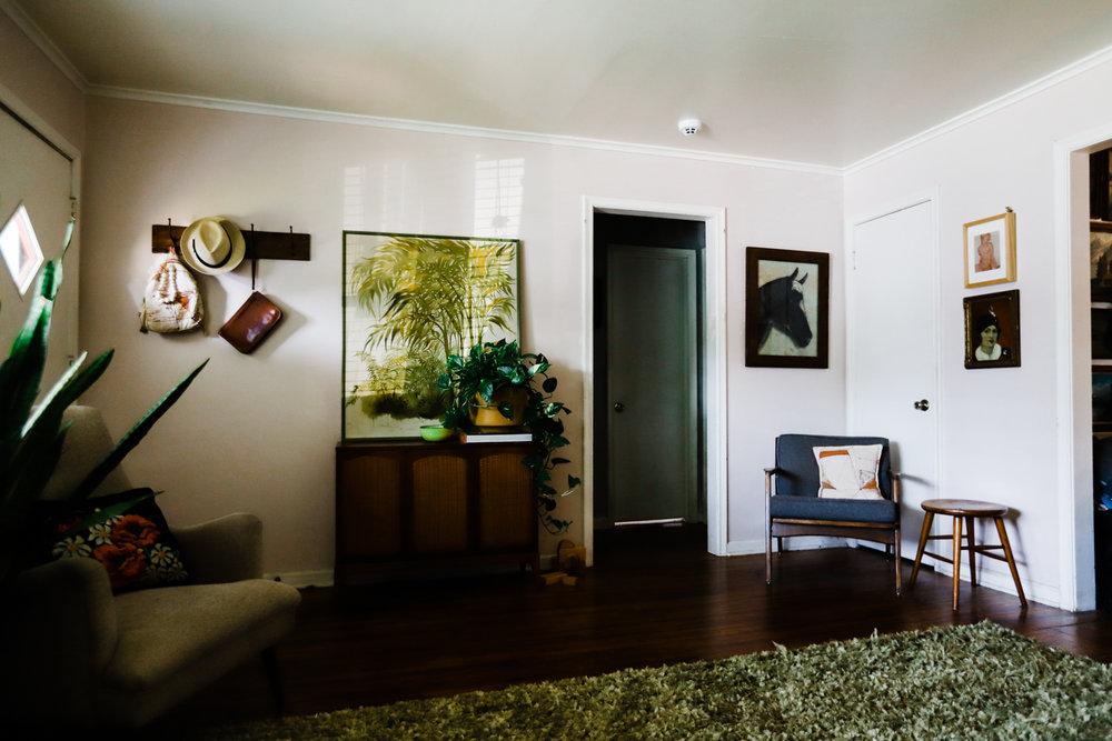 bungalow-entryway-no-television-WEB-3.jpg