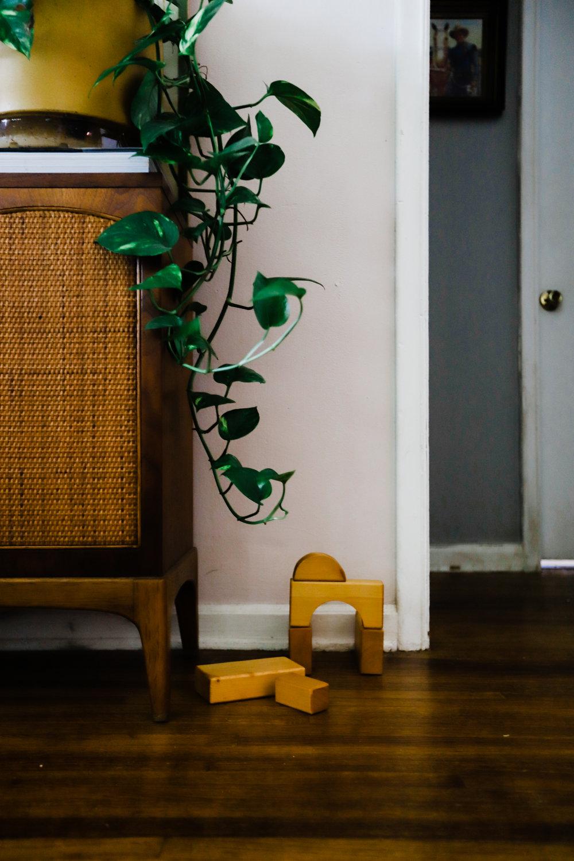 bungalow-entryway-no-television-WEB-7.jpg