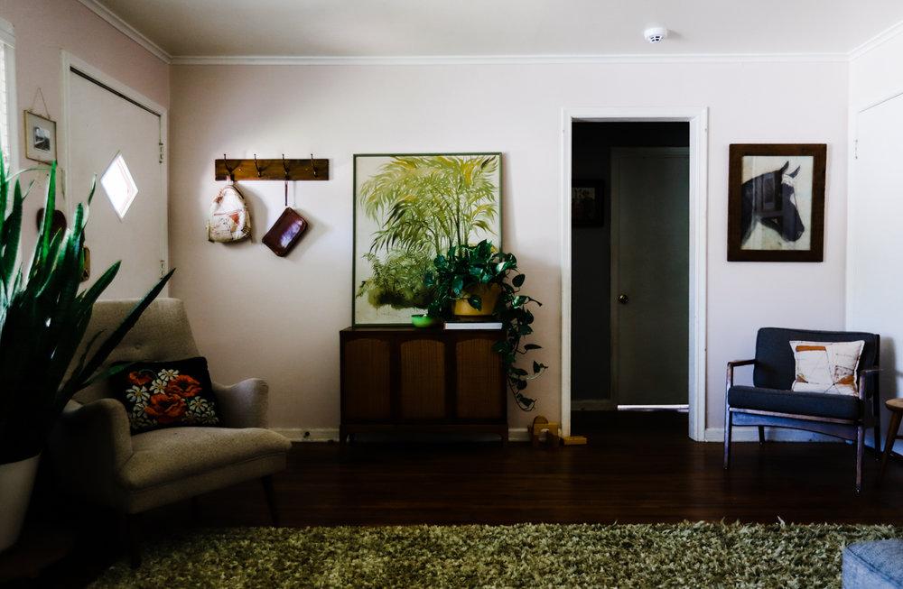 bungalow-entryway-no-television-WEB-13.jpg