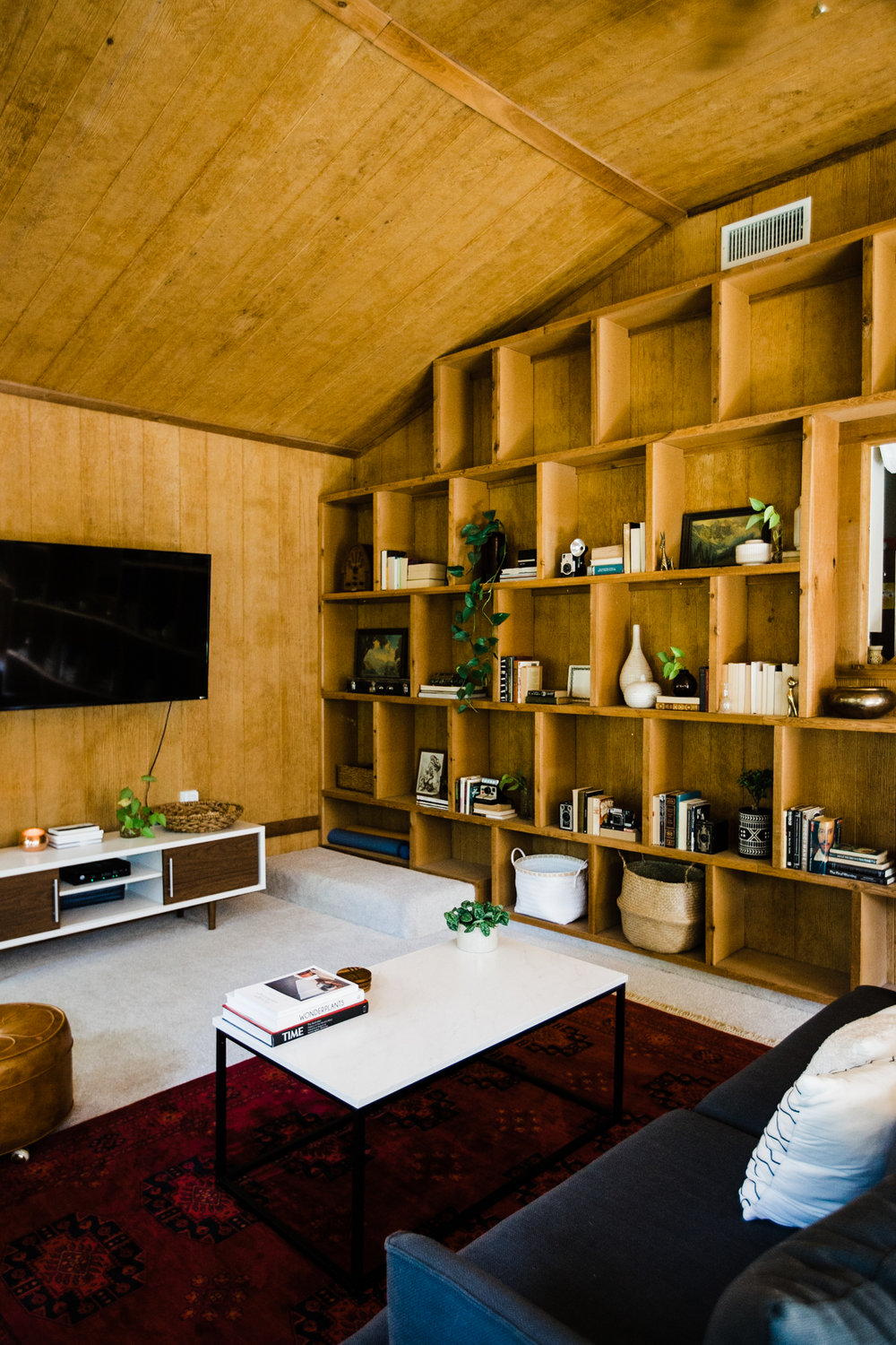 earthy-modern-home-tour.jpg