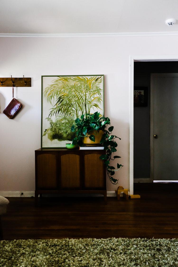 bungalow-entryway-no-television-WEB-14.jpg