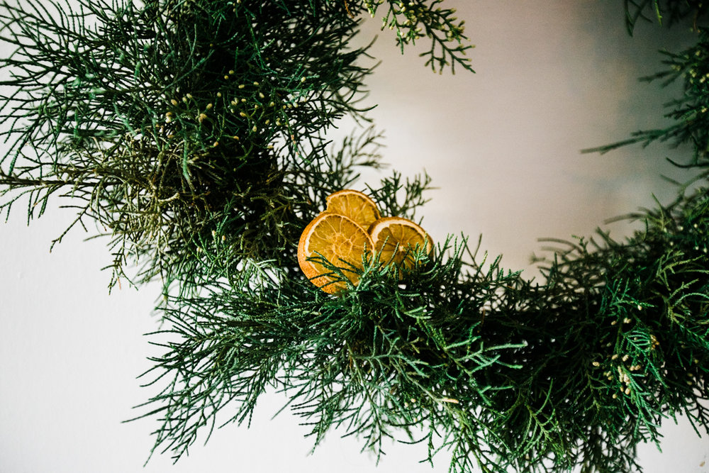 Dried orange slices + juniper bush clippings = my holiday heaven.