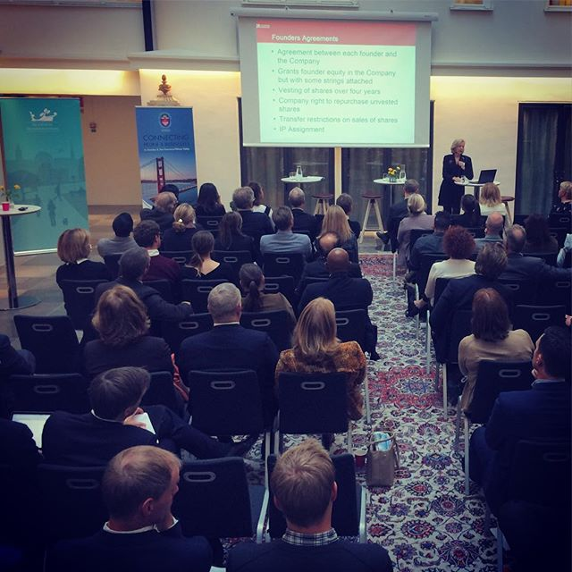 Full house here at the Stockholm Chamber of Commerce! Silicone Valley meets Silicone Alley seminar organized by @saccnewyork & @saccsfsv 🇸🇪🇺🇸 #Stockholm #NewYork #SiliconeAlley #SiliconeValley #entrepreneur #Seminar #sweden #usa #business