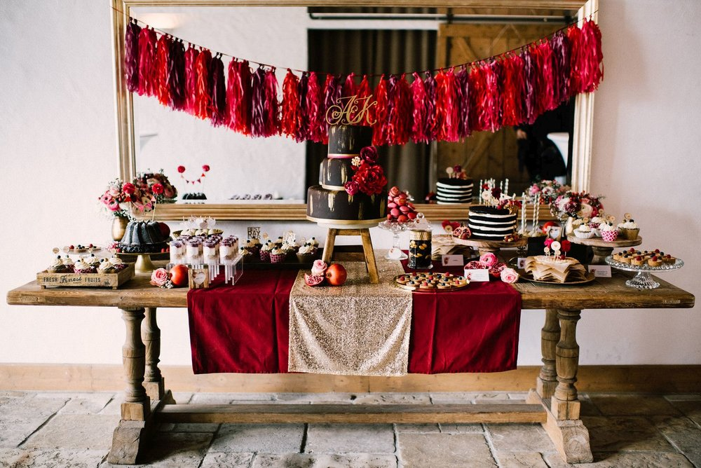 Winterhochzeit-maisenburg_sweet_candy_table.jpg