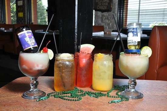 razzoo's happy hour drink specials texas.jpg