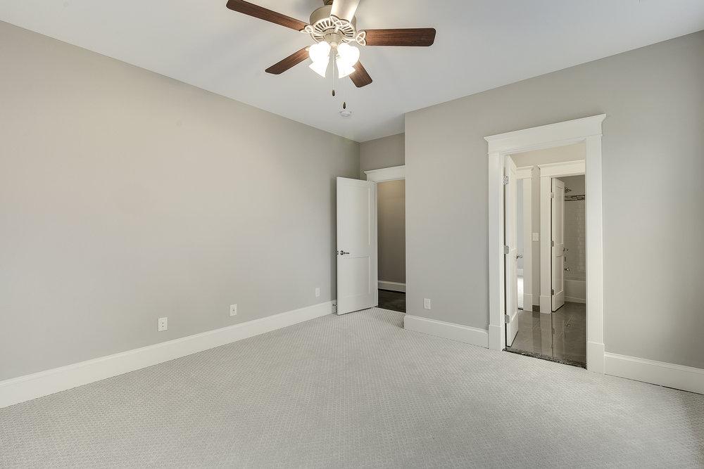 Upper Level-Bedroom-_DSC9425.JPG