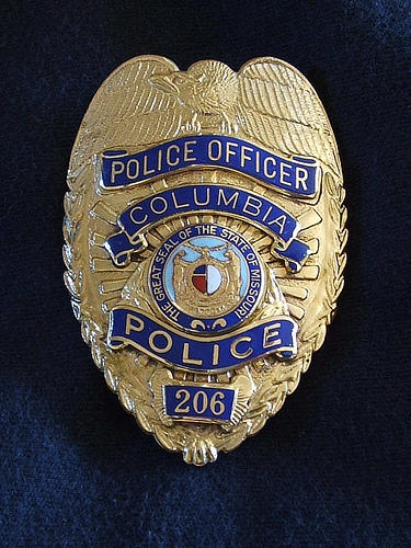 Police_badge_Flickr_7mary3.jpg