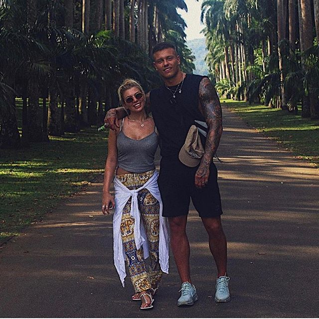 We love Sri Lanka and it looks like Love Island favourites Alex and Olivia do too!  Check out these pictures of their recent honey moon to Sri Lanka 🇱🇰 We visit all of these locations Kandy's botanical gardens, The infamous Kandy to Ella train, Udawalawe safari park, Sigiriya rock and so much more on our Coast to Coast tour 🌊  Check out www.travelteer.co.uk for more information  #TRAVELTEER #travel #srilanka #asia #loveisland #asiatravel #travelphotography #honeymoon #instagood #instadaily #travelholic #instagram #travelling