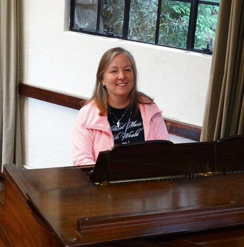 Angela Tarbet Knowlton