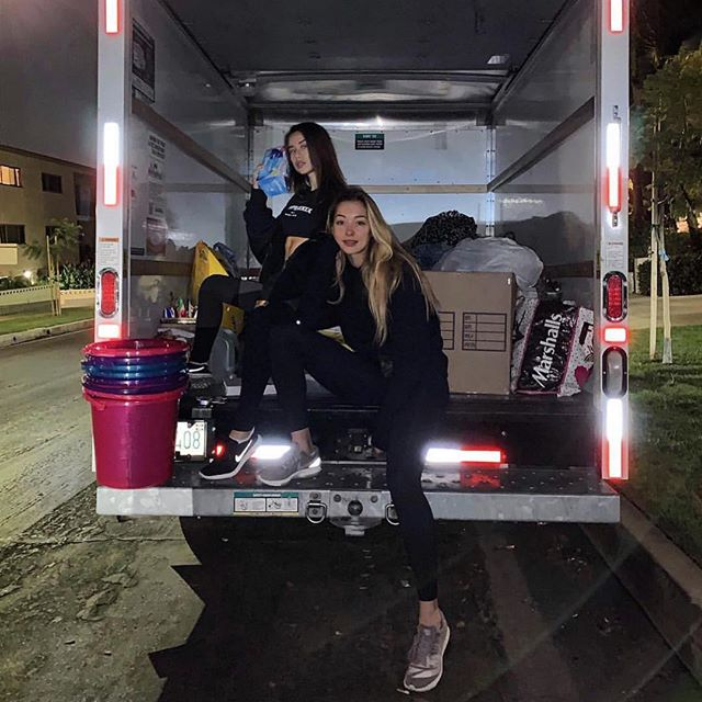Thank you so much girls for handling the donation drop off today! And also to @faradene and @shelbyelainebullard #Repost @pennylaneisthename  This weekend 1-9pm  17/18th Nov. 1332 N poinsettia PL LA CA. Look for a street parked U-haul.  Please bring animal supplies : beds, food, blankets, leashes, horse tack. Human supplies : toiletries, beauty products, clothing. #malibufires #helpout