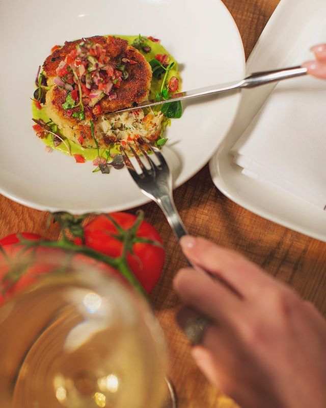 @crushmgm makes us hungry 🤤🤤🤤😍😍😍❤️❤️❤️ |📸: @ericitaphoto | • • • #lawrencecreativ #foodphotography #restaurants #restaurantsinlasvegas #lasvegasrestaurants #foodstylist #austinrestaurants #photography #creativephotography #creativefood #mgmresorts #mgmresortsinternational