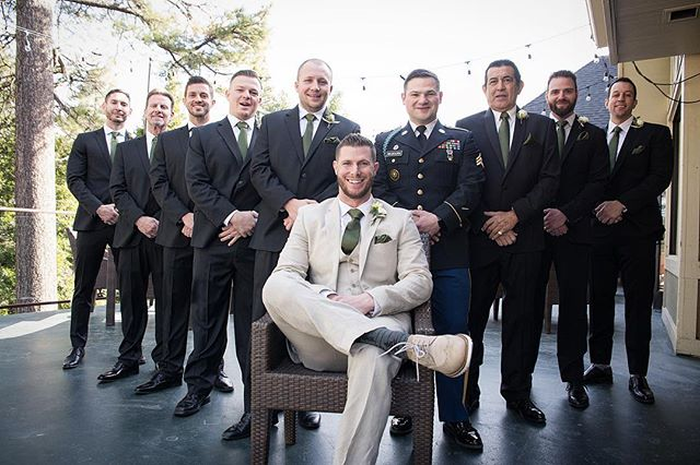 The lads are prep'd! 🎩   • • • #weddingday #groom #groomsmen #groomsmenphotos #groomsmenphotoideas #weddingphotoideas #californiawedding #lakearrowhead #lakearrowheadca #californiaweddingphotographers