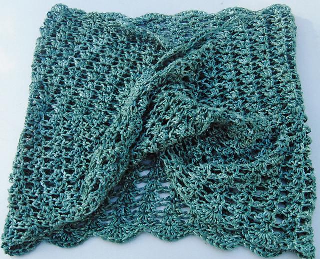 BSS Rio Mobius cowl crochet 2.jpg