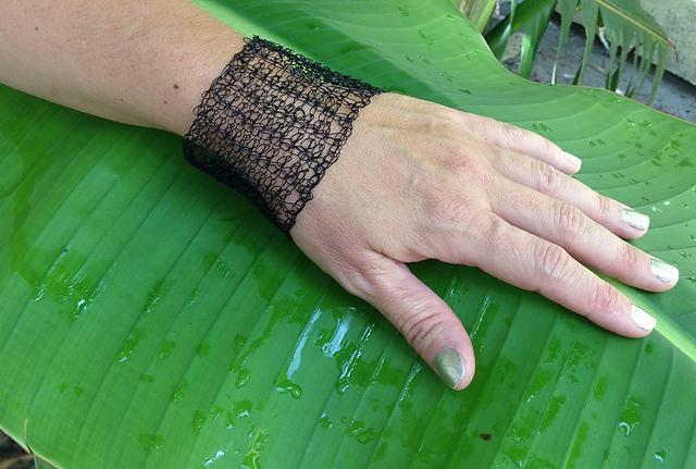 tunisian black bracelet.jpg