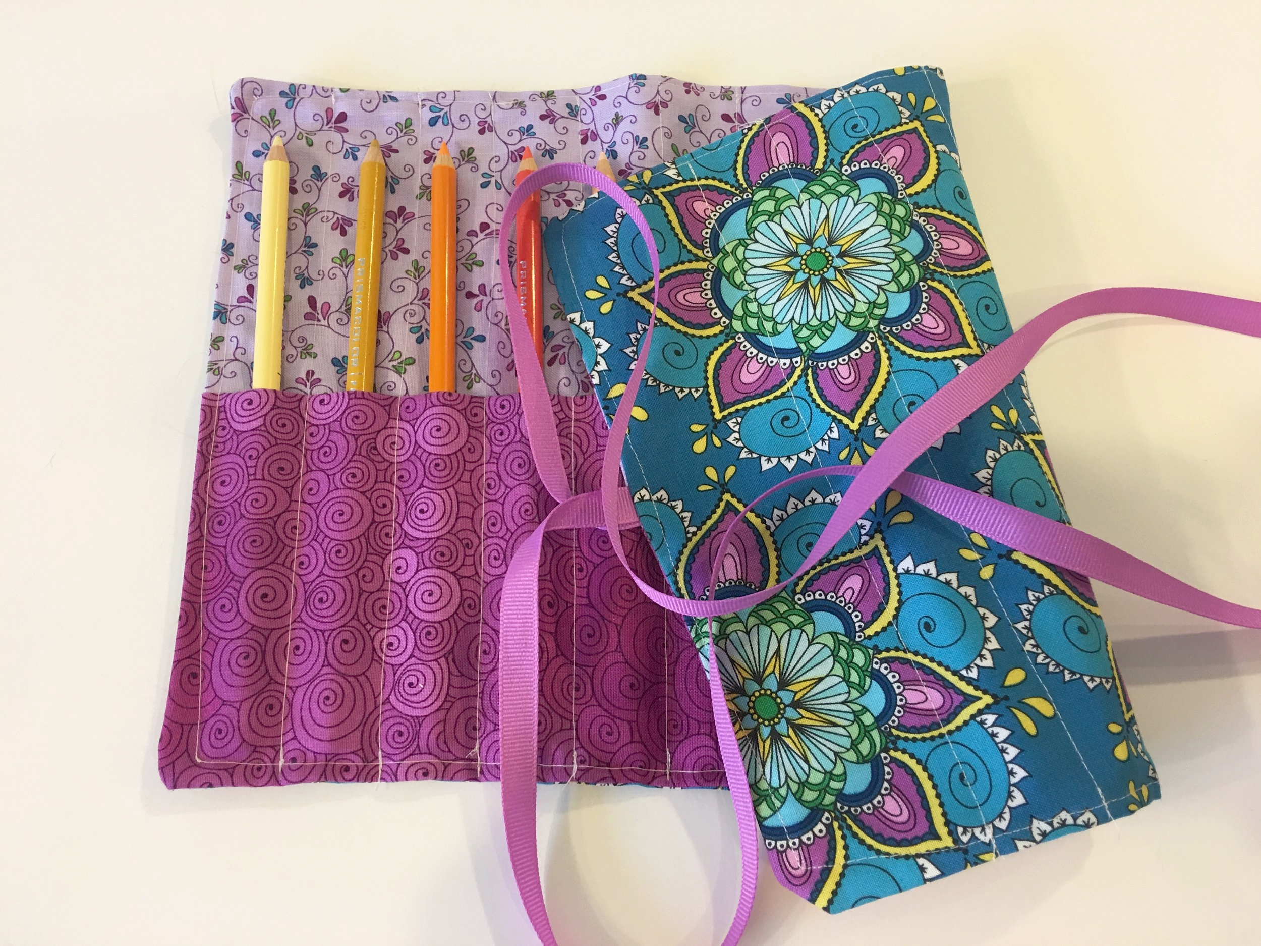 How To Sew A Roll Up Case For Crochet Hooks Coloring Pencils Or