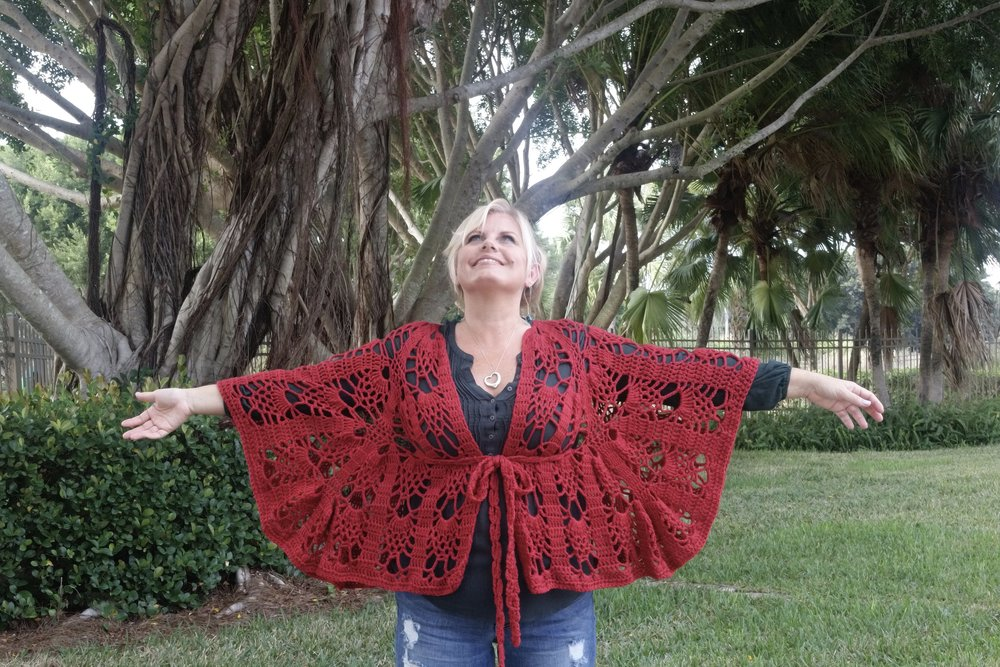 Vinga Belted Cape Worsted Weight Version Be So Brave Yarn Free