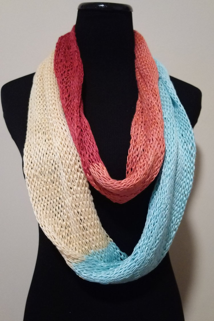 Sporty Cakes Colorblock Infinity Loop Scarf FREE Knitting Pattern ...