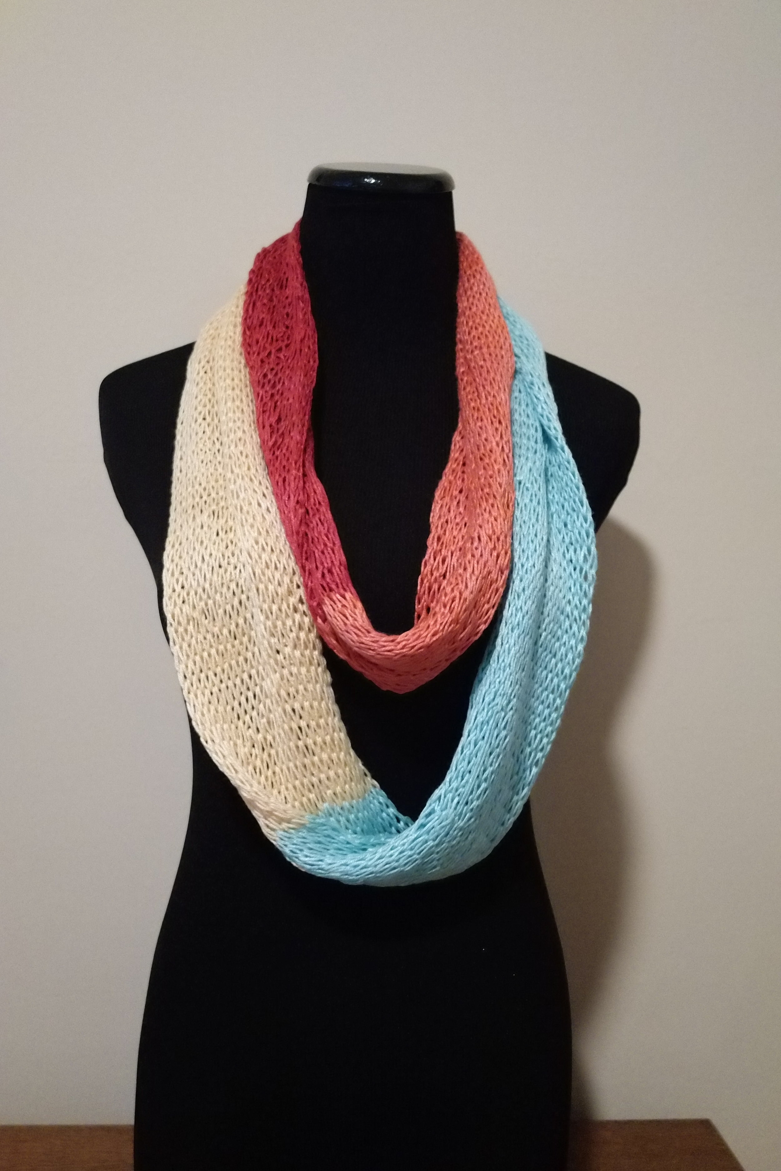 Sporty Cakes Colorblock Infinity Loop Scarf Free Knitting Pattern