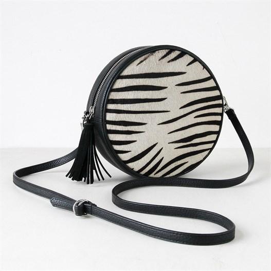 zebra-cross-body-round-circle-bag_caroline-gardner_da5336_2.jpg{w=527,h=527}.th.jpeg