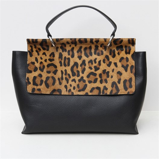 black-leather-cross-body-handbag-with-leopard-pony-skin-flap_aroline-gardner_da5353_2.jpg{w=527,h=527}.th.jpeg