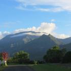 2-approaching-gardens-hihimanu-mountain.png-nggid03601-ngg0dyn-140x140x100-00f0w010c011r110f110r010t010.png