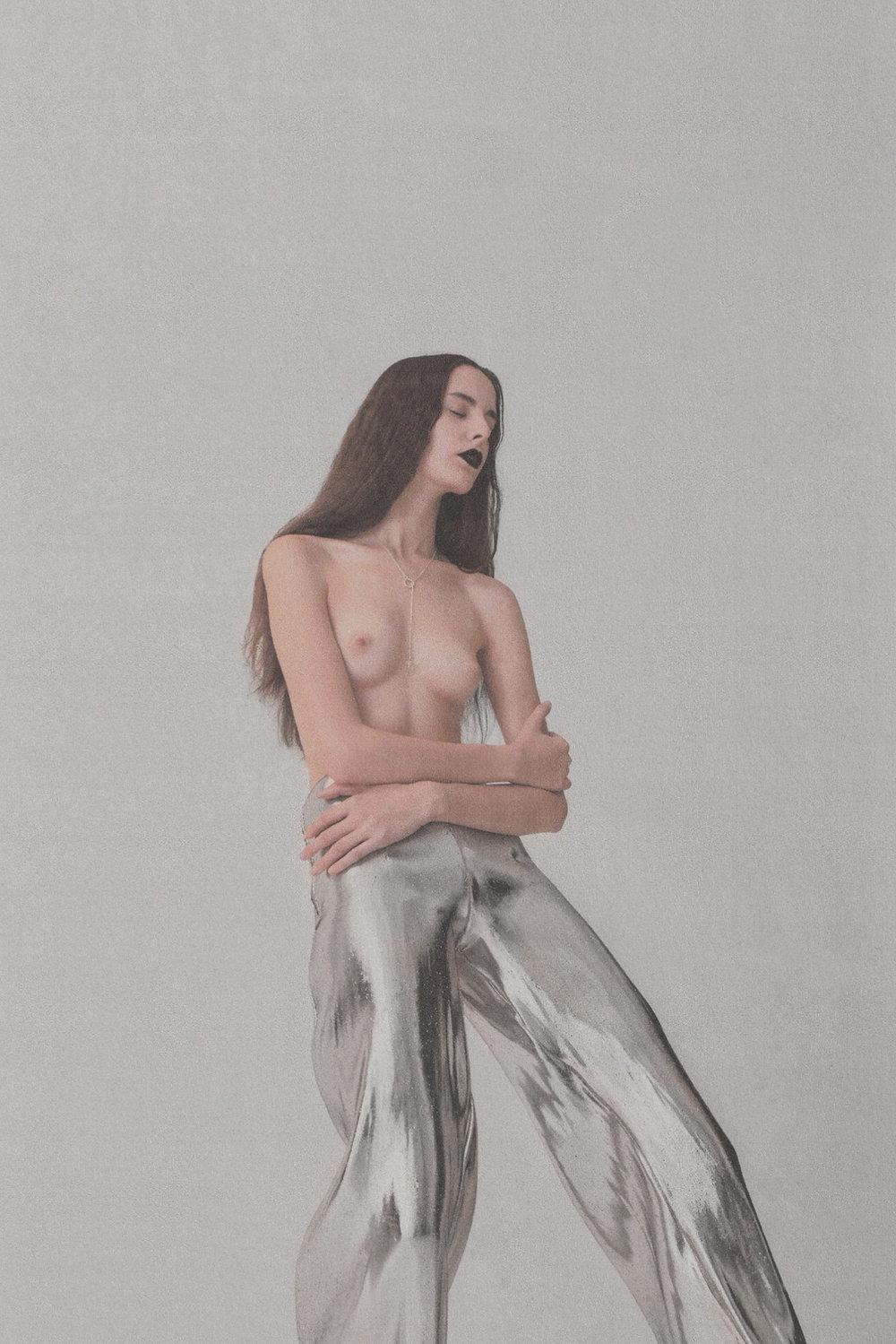 Vogue Ukraine: Crépuscule Pants for Anatheine Lookbook    https://vogue.ua/article/fashion/aksessuary/cvety-vo-ldu-kak-sozdayutsya-ukrasheniya-anatheine.html