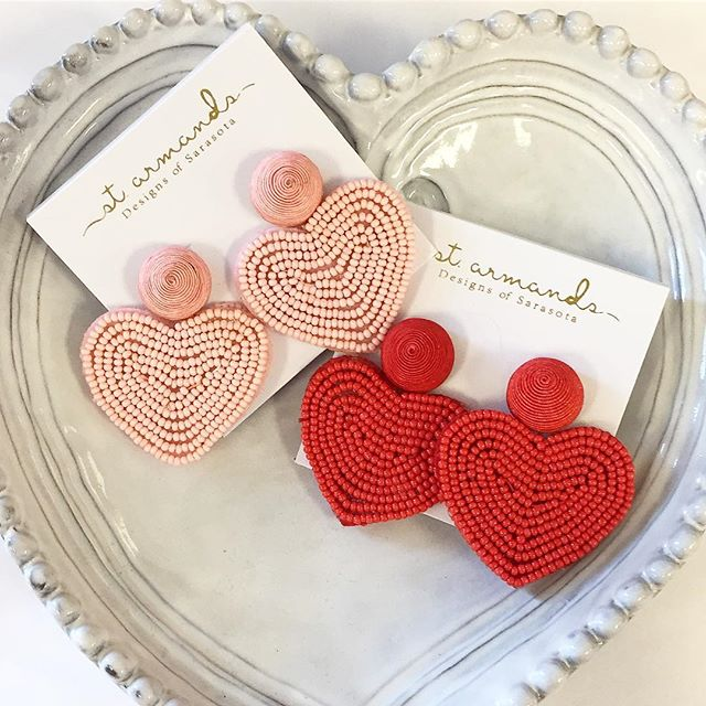 Need accessories to complete your Valentine's Day outfit? We've got you covered! #shopgalleriariverside