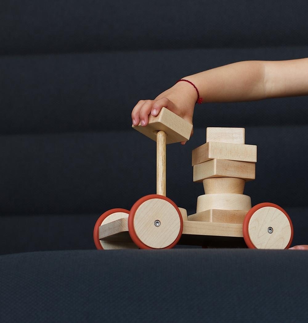 Stacking Toy / SHIBULERU / 2013