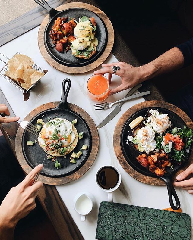 Skillen it // photo by @brayanmess 🍳 #devourcity #featurefriday