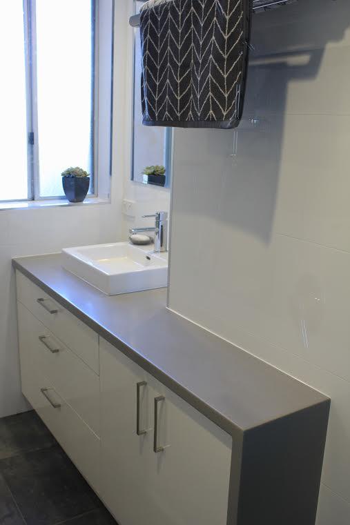 vanity side view 1.jpg