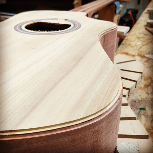 Groove cut for the #binding  #customacoustic #rata #kahikatea #customguitarnewzealand #handmade