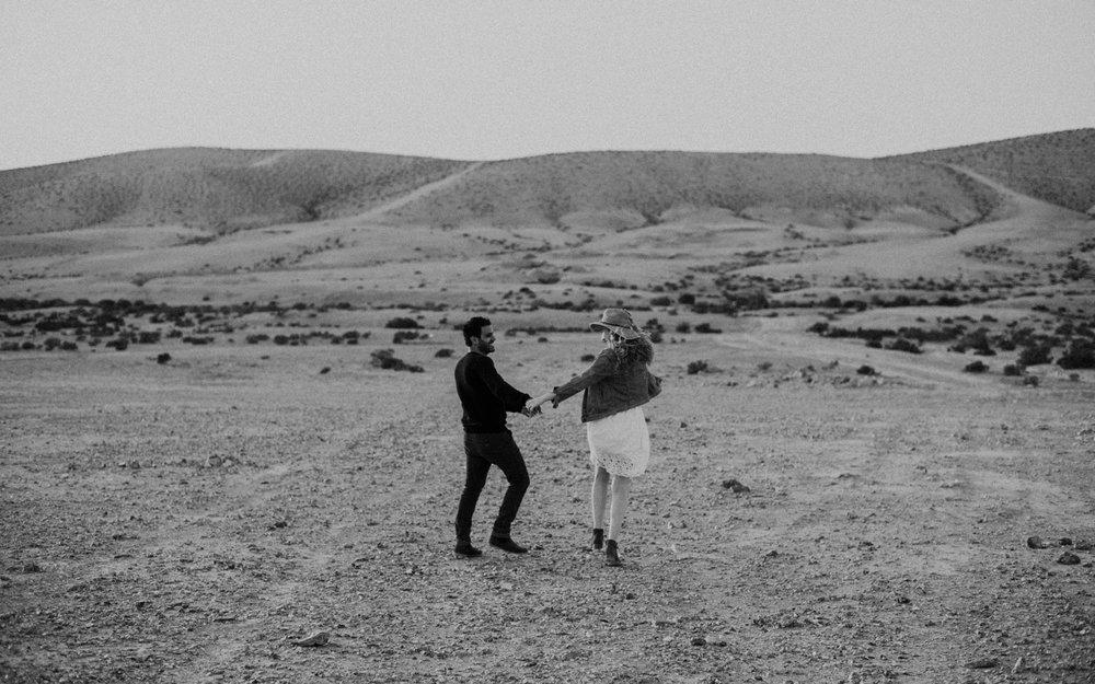 rebbeca-or desert session-26.jpg