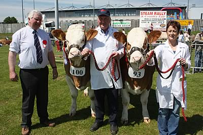 The Ballymena Show qualifiers for the Eprinex Simmental Pair of the Year competition were Ranfurly Weikel 2nd and Ranfurly Weikel 3rd, shown by David and Julie Hazelton pictured alongside Cecil McIlwaine, Judge.