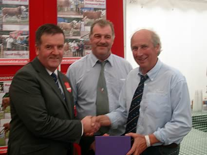 Robin Boyd, David Craig and Tom Presentation to the Overall Champion