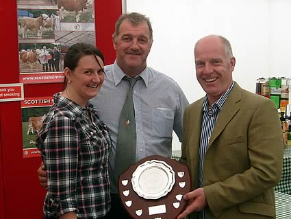 Gail Clark, winner SYMA trophy Tom and Norman (judge)