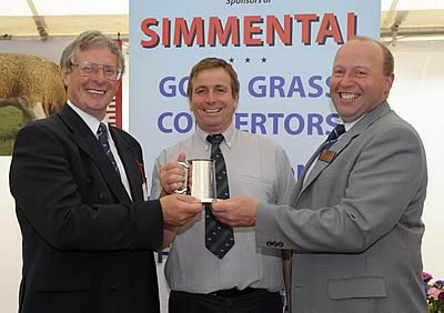 Chris & Iain presenting Scottish Clubs Tankard for overall Champion to Brian Alan (Glenturk)