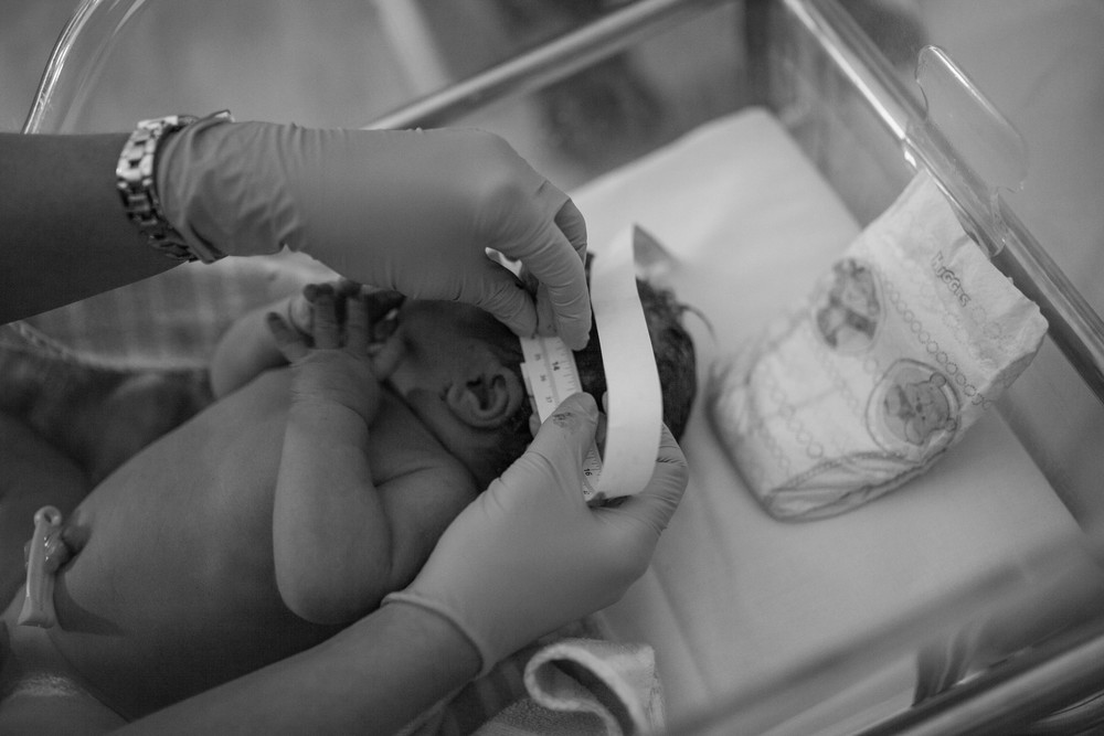 THEFIRSTHELLO - birth photography-22.jpg
