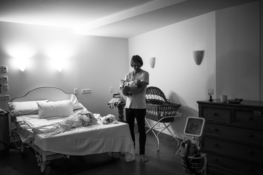THEFIRSTHELLO - birth photography-13.jpg