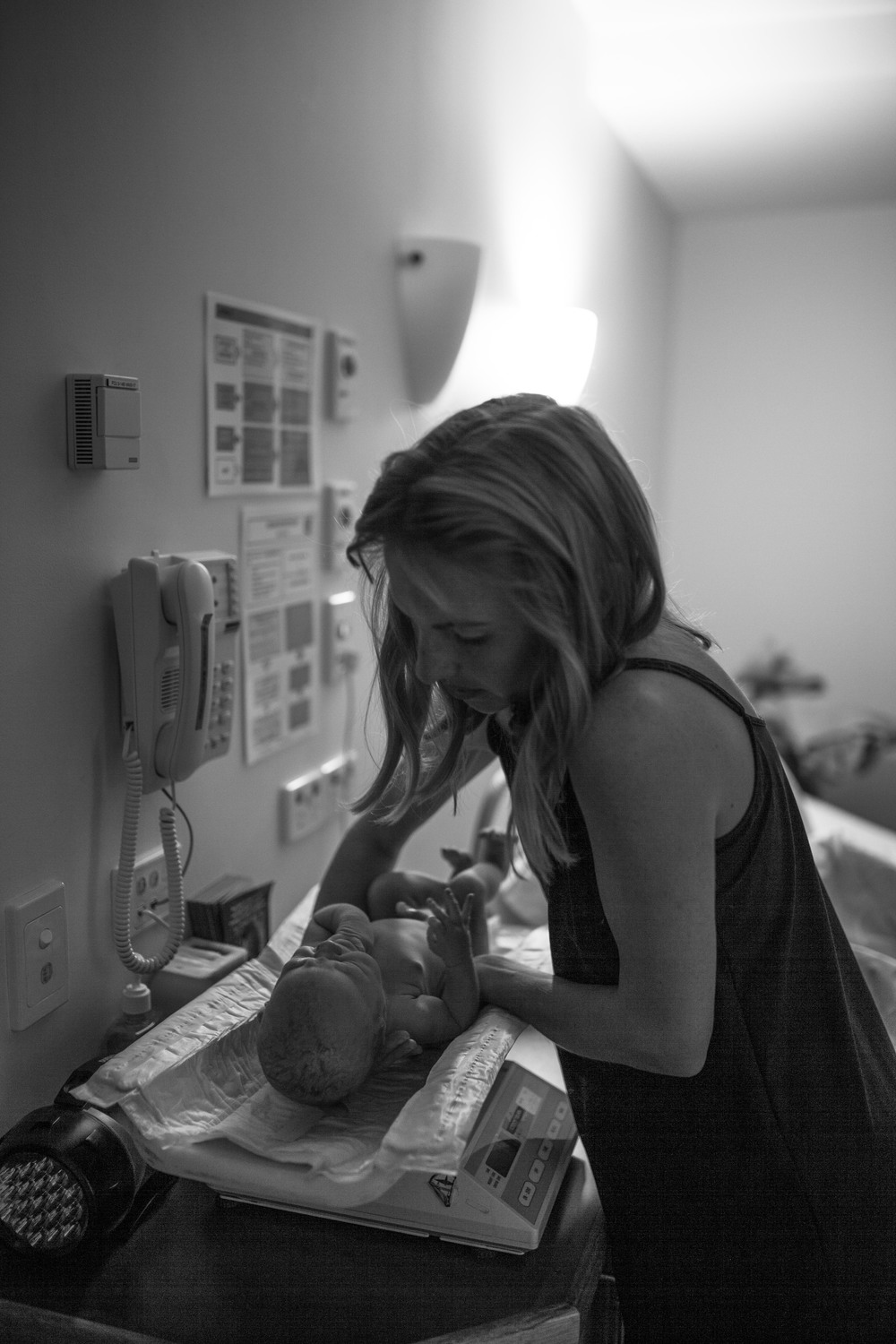THEFIRSTHELLO - birth photography-43.jpg