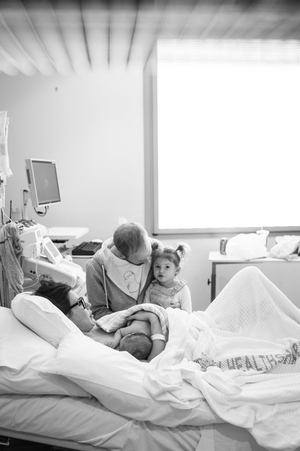 THEFIRSTHELLO-birthphotography-167.jpg