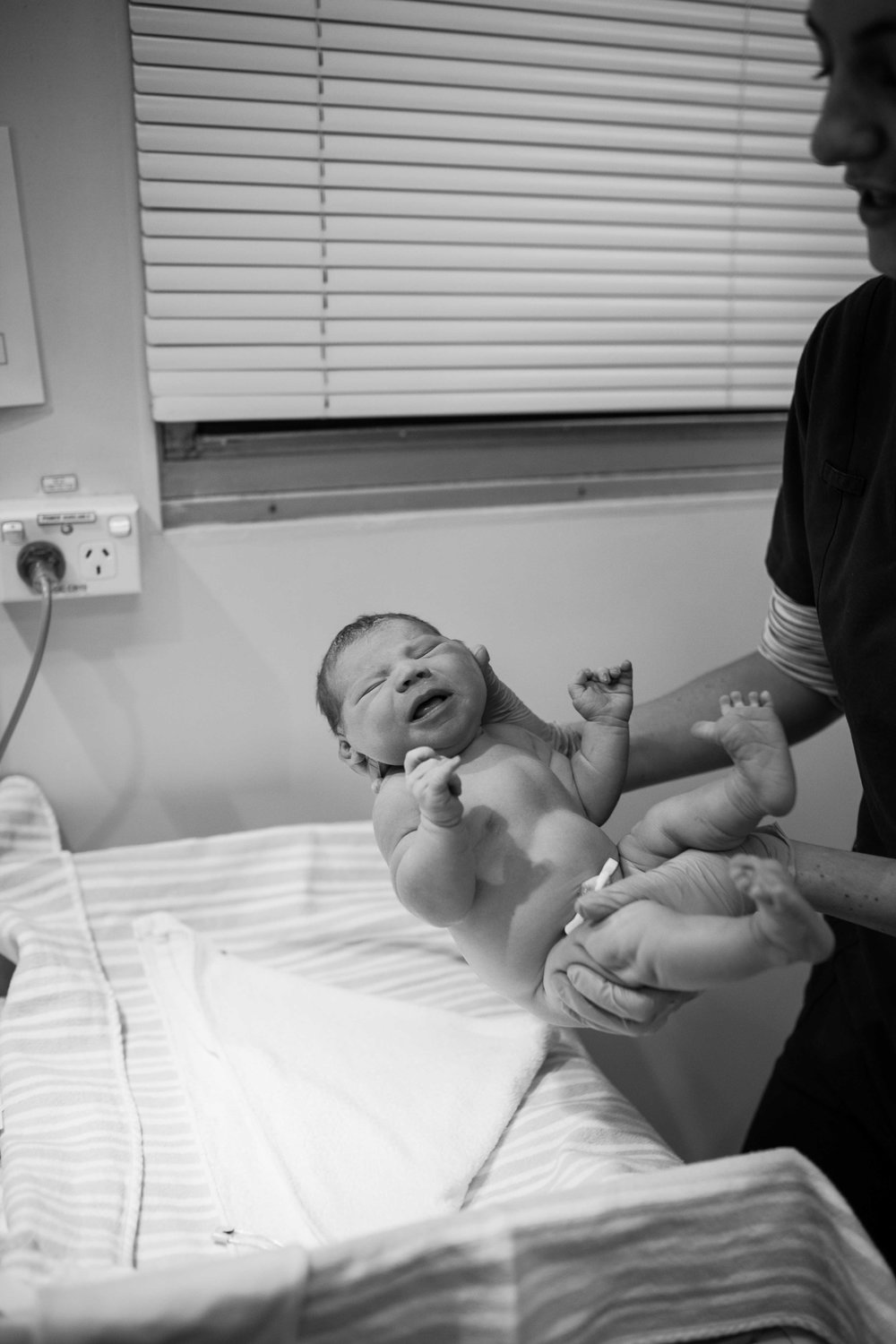THEFIRSTHELLO - Birth Photography-114.jpg