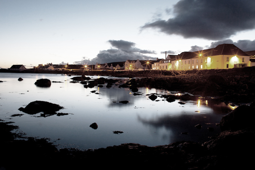 bruichladdich_distillery_at_night-Freddie-Grubb-Journal-Bruichladdich.jpg